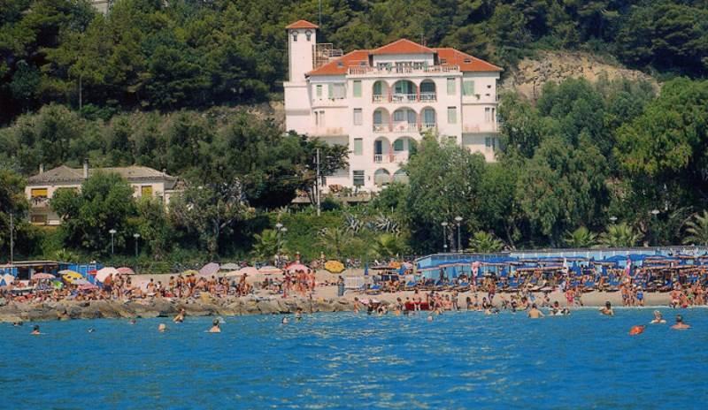 Hotel Trieste Marina di Andora Savona Liguria  allhotelit