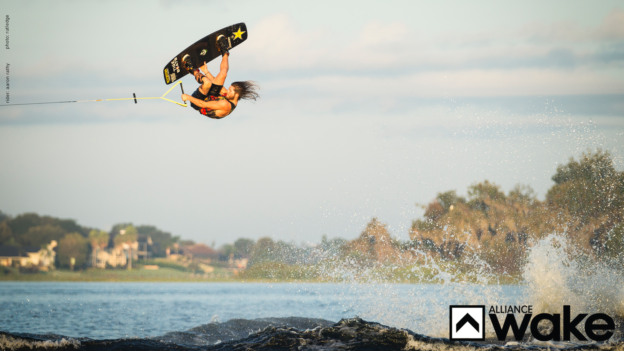 Surfing Girl Iphone Wallpaper Wallpapers Roty Aaron Rathy Alliance Wakeboard