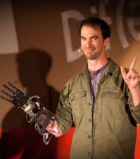 Nicolas Huchet, porteur du projet Bionicohand. © Flickr/TEDxRennes
