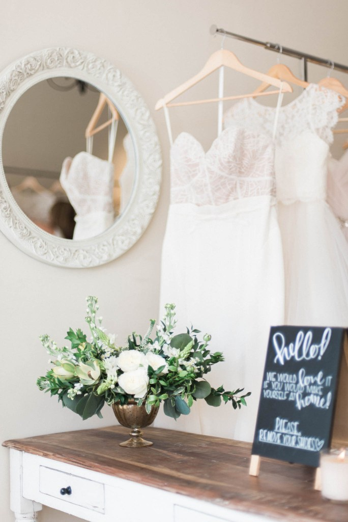Allie-Jennings-Photography-branding-modern-bride-1