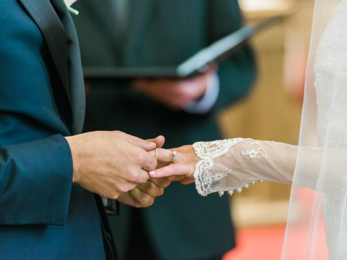 alliejenningsphotography-hamilton-wedding-photographer-fine-art-royal-botanical-gardens-wedding-29