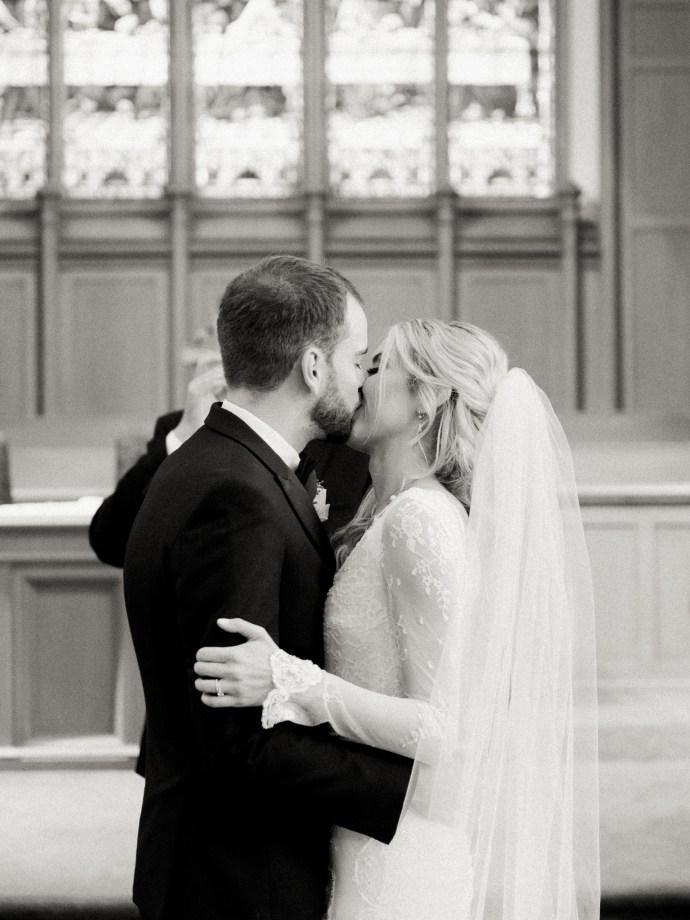 alliejenningsphotography-hamilton-wedding-photographer-fine-art-royal-botanical-gardens-wedding-30