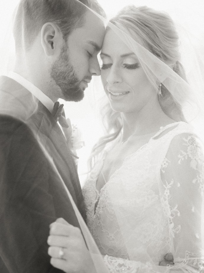 alliejenningsphotography-hamilton-wedding-photographer-fine-art-royal-botanical-gardens-wedding-44