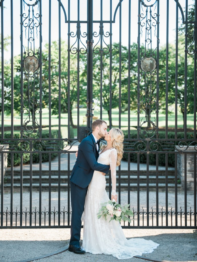 alliejenningsphotography-hamilton-wedding-photographer-fine-art-royal-botanical-gardens-wedding-54