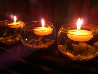 floating tealights candles