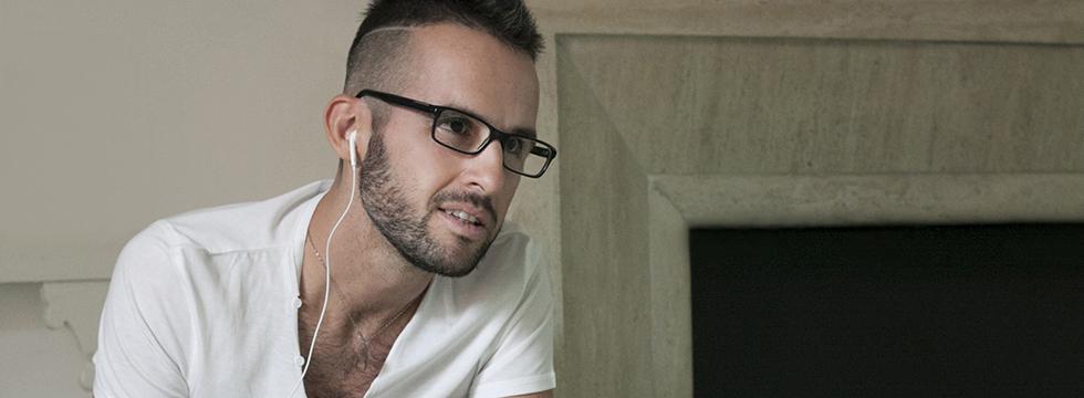 (..foto) il cantautore Roberto Casalino