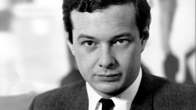 members-of-the-beatles-brian-epstein