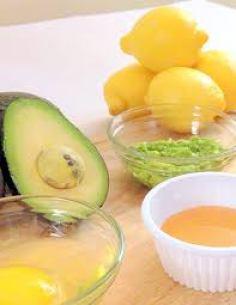 DIY-Avocado-Face-Mask-at-Home-04