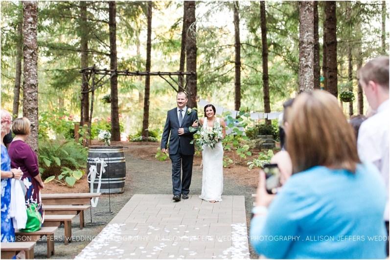 Oregon Wedding at Three Strands Farm Wedding Venue_0045