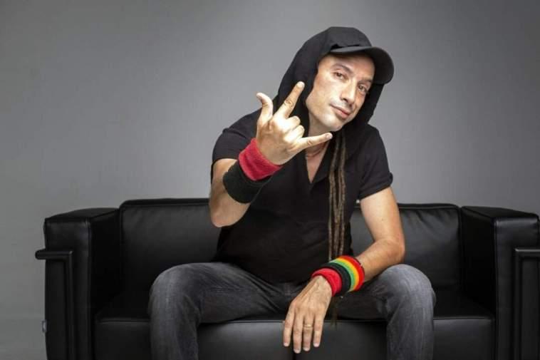 """Rock, Reggae, Games of Thrones, Pino Daniele e Bob Marley. Le passione di Jovine nel nuovo singolo """"Rock and roll"""""""