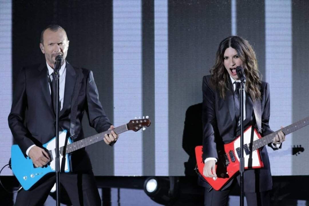 """Due anni fa l'ultimo concerto di Laura Pausini con Biagio Antonacci… """"Il live ci manca da morire!"""""""