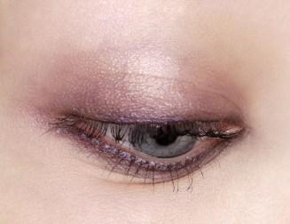 light eyes pink
