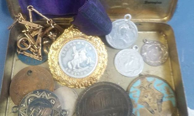 Love tokens and medallets