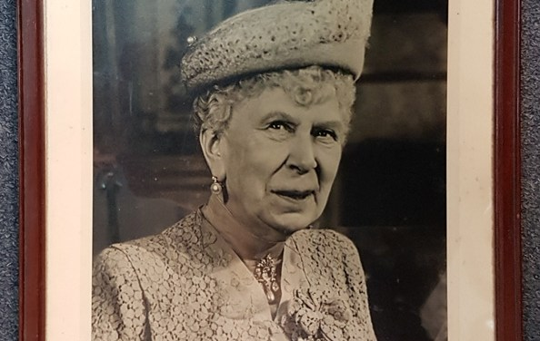 Queen Mary signed, framed 13×18″ Baron signed 1950 Photo