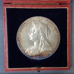 G.B. Unc 1897 Diamond Jubilee 55mm 80gm cased Silver Medal