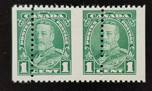Canada #217 Never Hinged 1c George V Misperf Pair