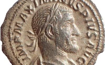 Maximinus I 235-238 AD 20mm 2.8gm Silver Denarius w/ Victory etc