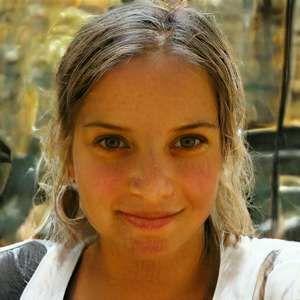 contacte moi si tu recherches une jeune fille ravissante pour l'épouser à Paris
