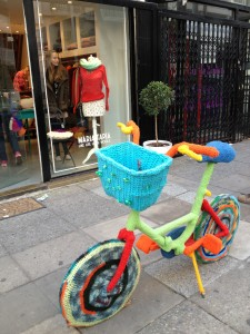 A fiber-bombed bike in Palermo Soho