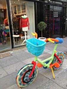 A fiber-bombed bike in Palermo Soho