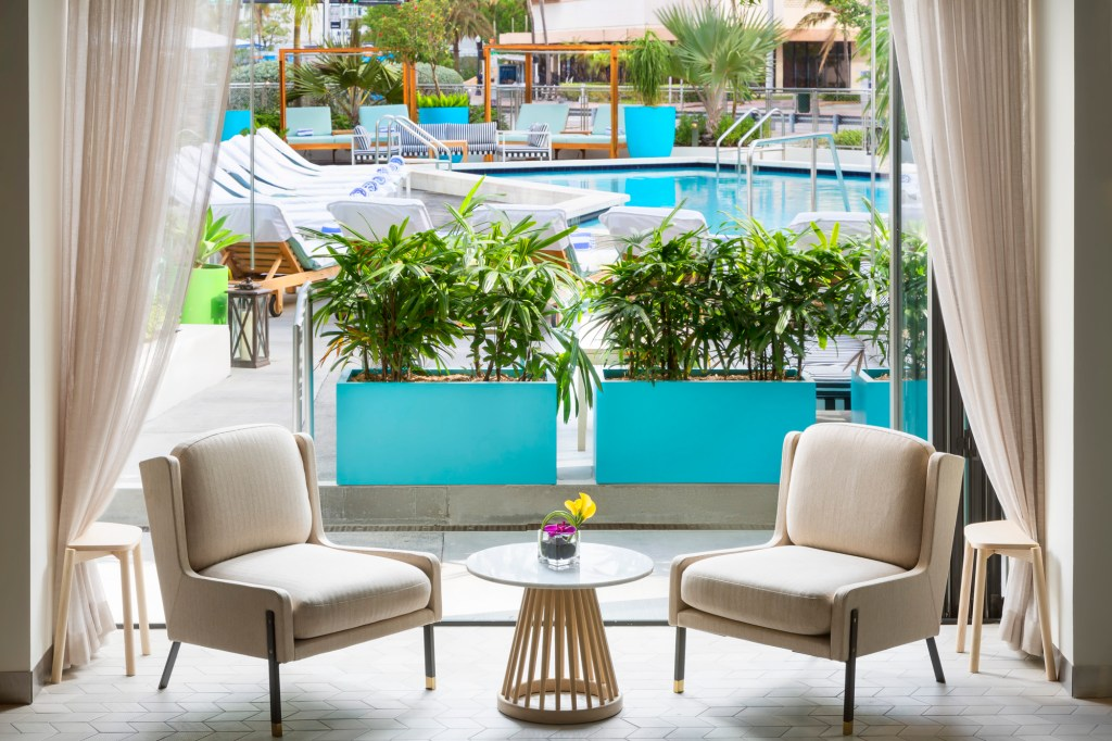 poolside bar at Gates Hotel South Beach