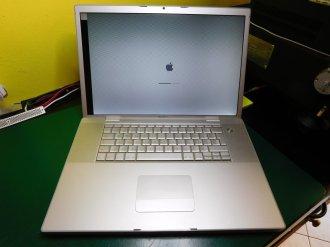 MacBook Pro A1261 Artefatti