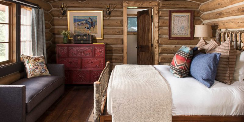Bedroom in Chipmunk Cabin