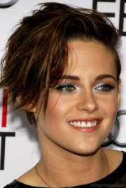 graceful short side swept hairstyles