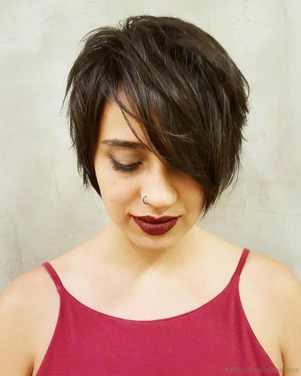 30 Crop Hairstyles With Bangs Hairstyles Ideas Walk The Falls