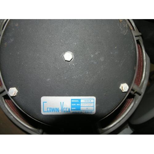 CerwinVega V37 250W Loud Speaker 188EB Subwoofer