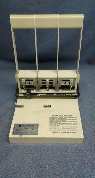 ACCO Model 650 HeavyDuty 3  2 Hole Punch  Allsoldca