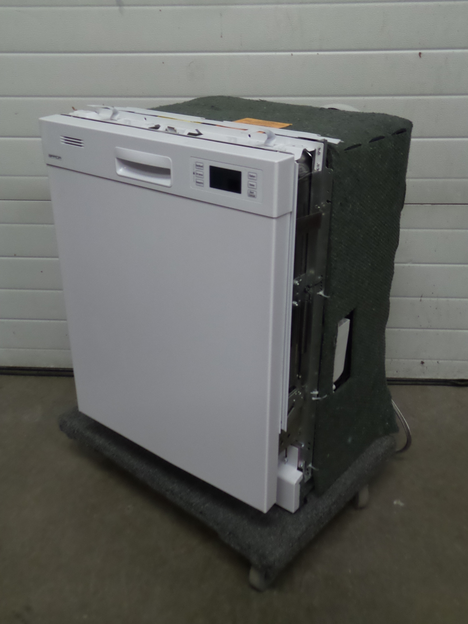 Brada EBS9373HW Under Counter Dishwasher w Stainless