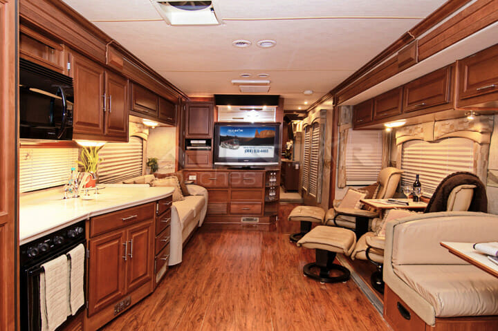 Fleetwood Discovery 40X  RV Rental