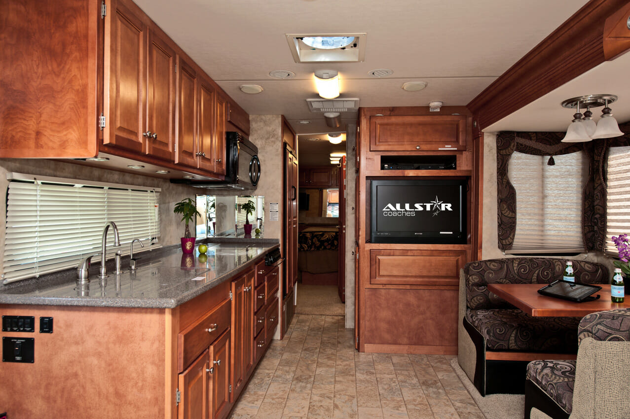 kitchen pots and pans set high chairs for island 38' gulf stream crescendo | rv rental