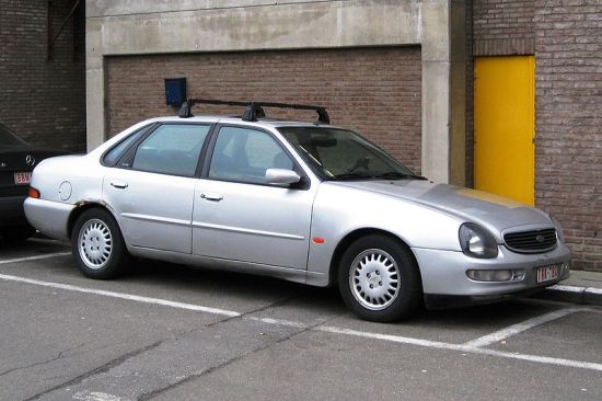 800px-Ford_Scorpio_Final_iteration