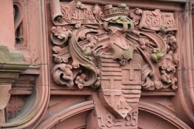 Das alte Rheydter Wappen am Rathaus