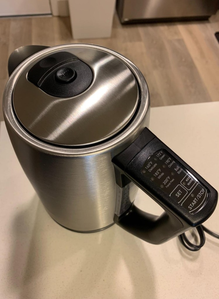 Miroco kettle is a great choice for elderly.