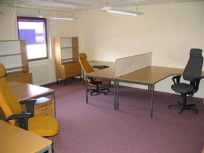 Beg. Kontorsmöbler