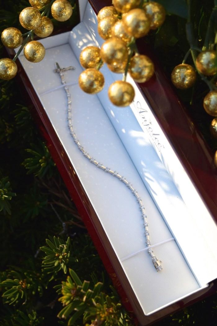 anjolee-customized-gemstone-bracelet