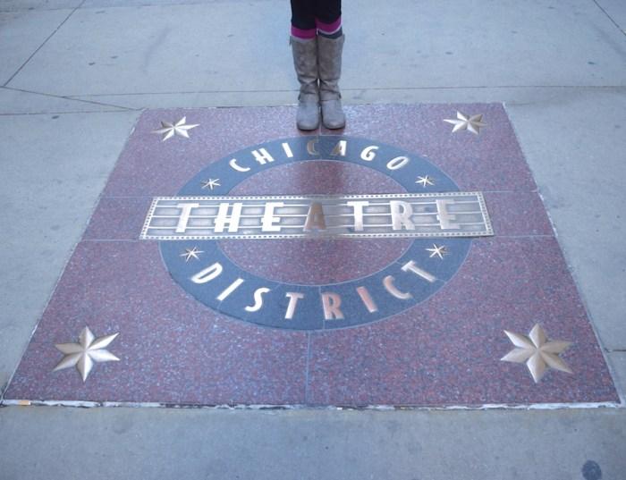 chicago-theatre-district-alena