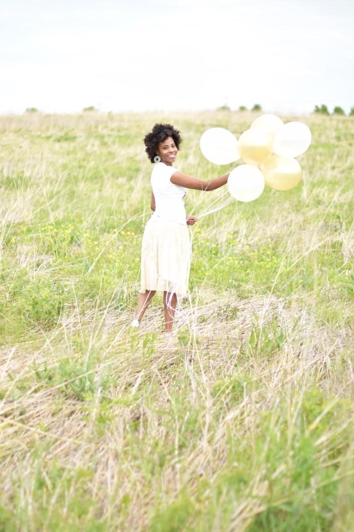 whimsical-skirt-balloon-photoshoot