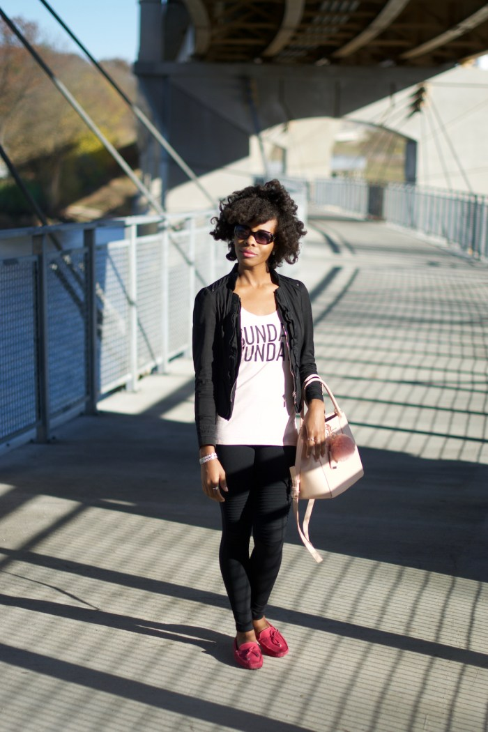 casual-pink-black-outfit-idea