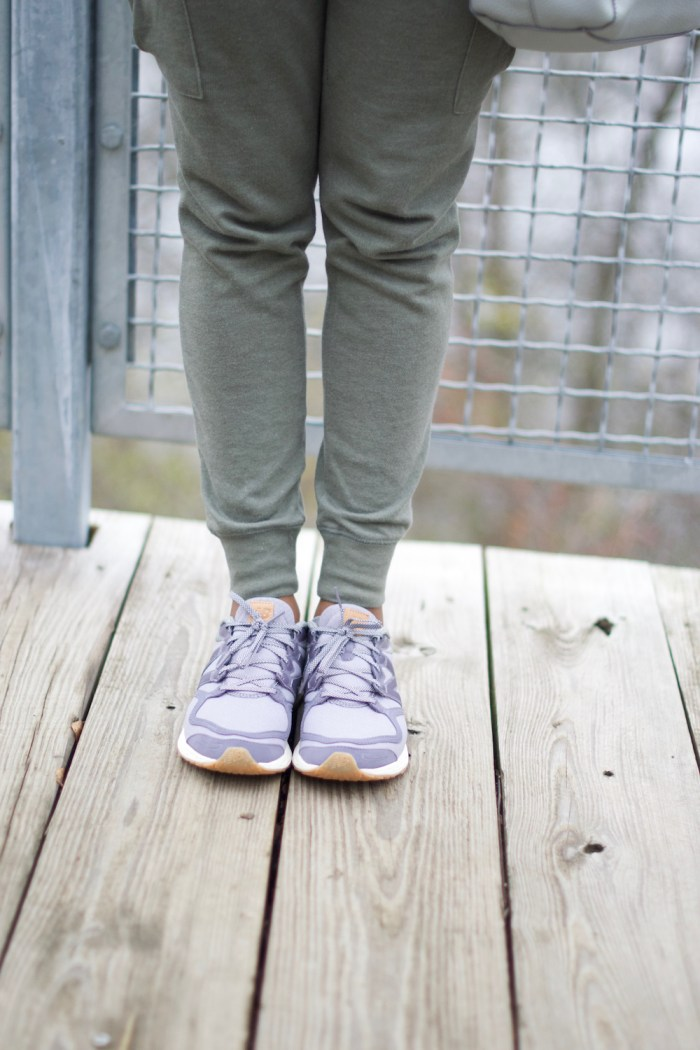 olive-green-cargo-joggers