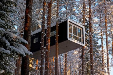treehouse glamping property in sweden