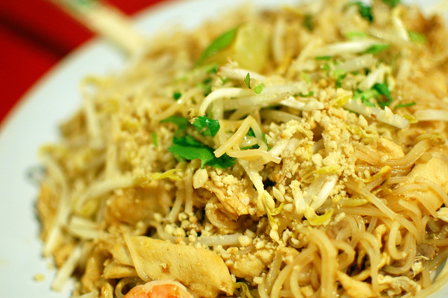 6 delicious foods to try in thailand