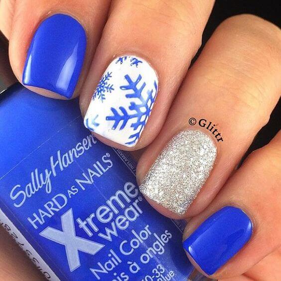 blue Christmas nail-design