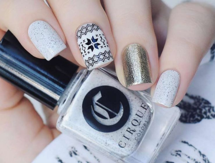 winter-nails-cute-designs-short-square-white-base-color-black-stamping-gold-glitter