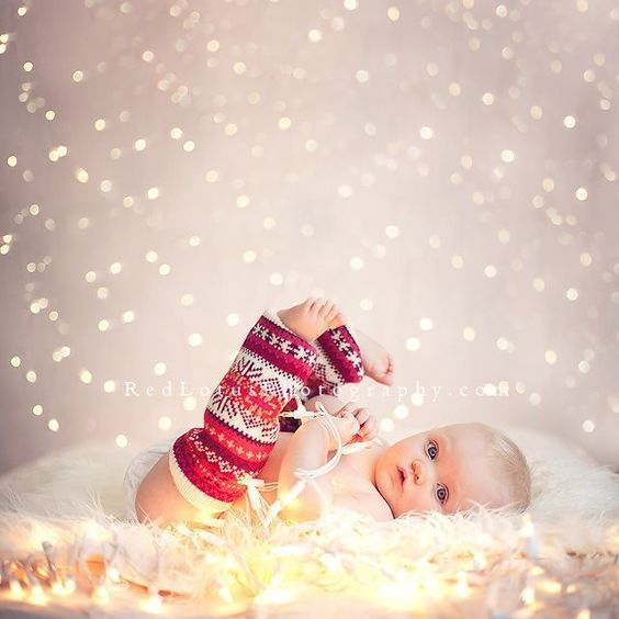 40+ Adorable Baby Christmas Pictures