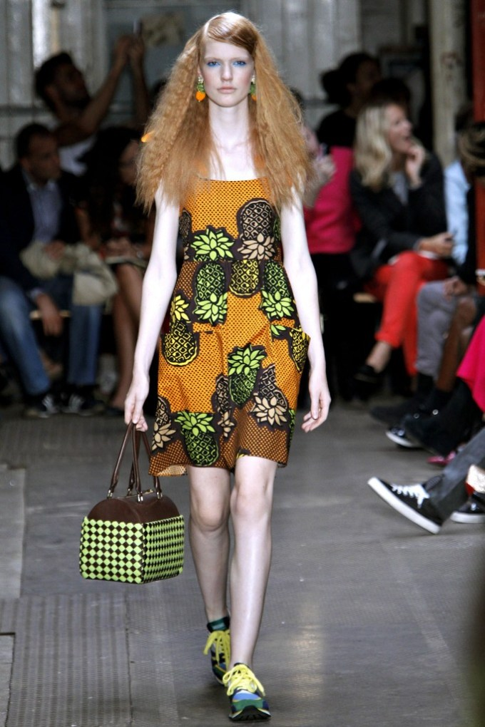 Moschino Cheap and Chic Spring 2013 Ready To Wear 6