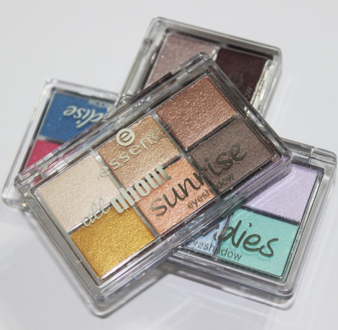Swatches & review of the Essence All About Candies, Nude, Sunrise, & Paradise Eyeshadow Mini Palettes. You can purchase these from ULTA & they contain varying matte, satin, & metallic shades! Read more on All Things Beautiful XO | www.allthingsbeautifulxo.com